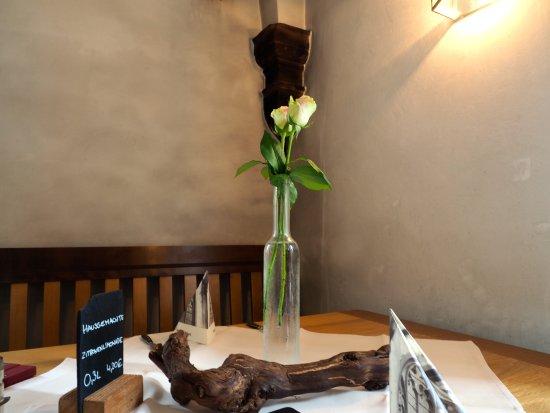 gediegen gedeckte Tische - Picture of Klosterschaenke, Pfortenhaus ...