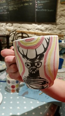 Forres, UK: Pottery painting in the Coffee Shop at The Loft