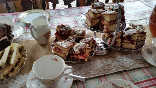 Forres, UK: One of our party offers: We do vintage tea parties too at The Loft.