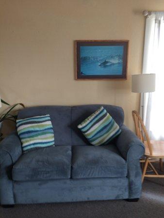 Montara, Califórnia: Lembro que fiquei tão empolgado em ver um sofá azul que tirei uma soneca. joke
