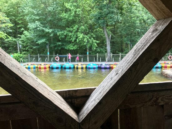 Westford, MA: Bumper boats waiting for the next riders to get in