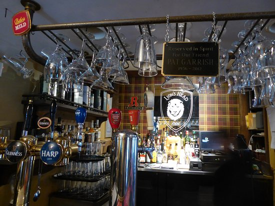 Lion's Head Inn & Restaurant: Touching tribute to a departed customer
