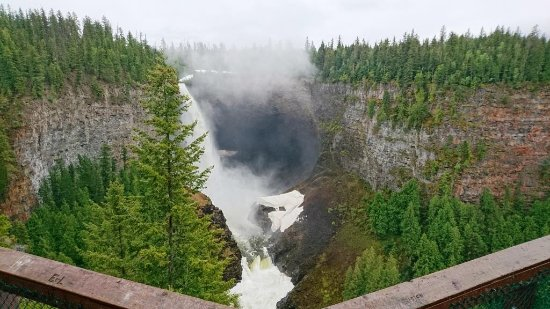 Helmcken Falls in full flow