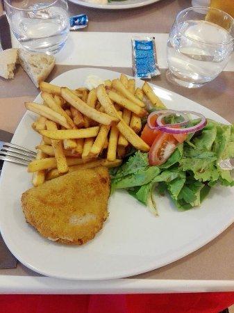 Ibis Lille Roubaix Centre : Idée d'une assiette repas: ici le cordon bleu