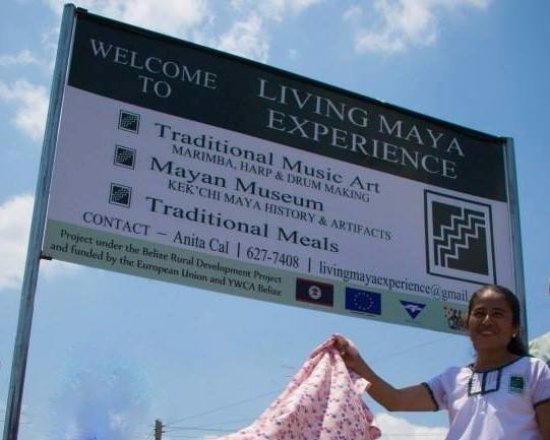 Big Falls, Belice: Living Maya Experience welcome sign