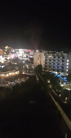 Sunrise Beach Hotel: Snapchat-2086418812_large.jpg