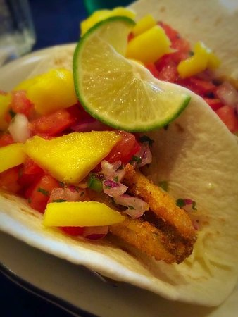 Port Dover, Καναδάς: Perch tacos in the Terrace Room