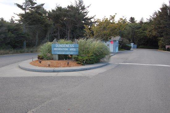 Sequim, Вашингтон: Park and campground entrance
