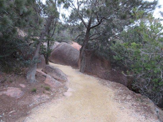 Coles Bay, Australia: trail