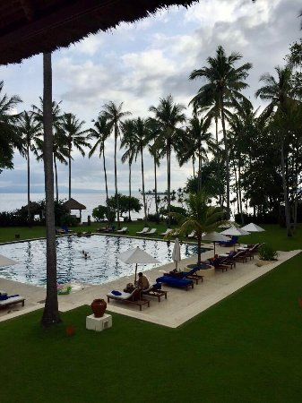 Alila Manggis: Probably the world kept secret best place to be at peace doing 'nothing'. It's our favorite plac