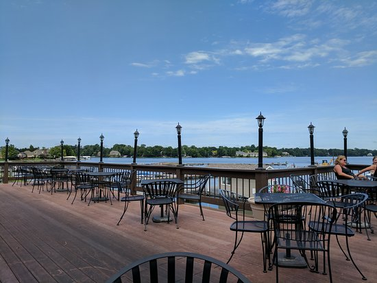Wolfie's Waterfront Grill : IMG_20170721_120147_large.jpg