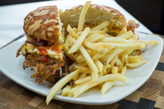 Eau Claire, WI: Hangover Burger