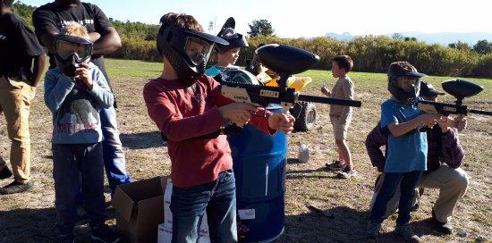 Paarl, Zuid-Afrika: Target Shooting with Paintball Guns