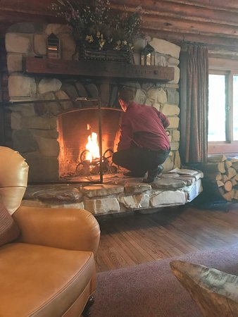 Jenny Lake Lodge: Cozy area in the lodge