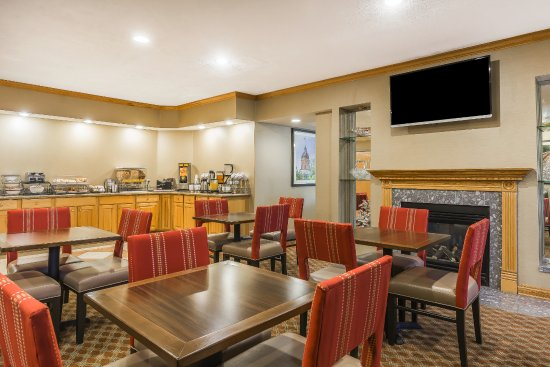 Comfort Inn & Suites: Complimentary Breakfast Every Morning