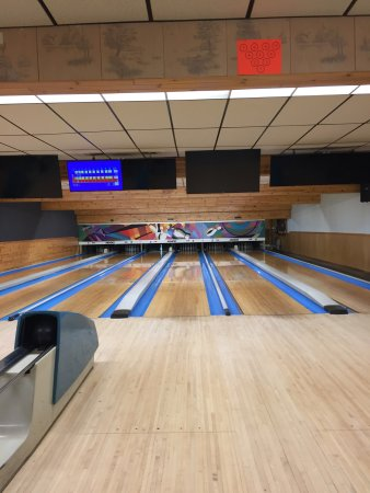 Land O' Lakes, Висконсин: New refurbished wooden lanes ! Excellent condition !