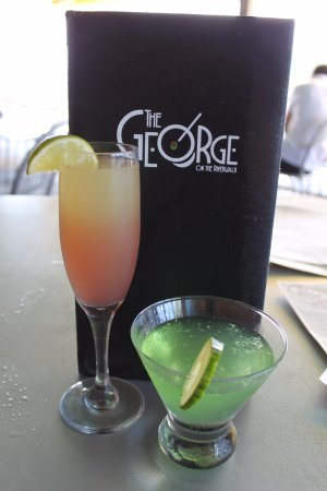 The George on the Riverwalk: Drinks!