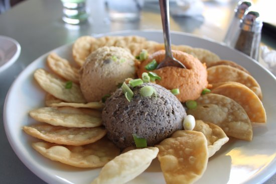 The George on the Riverwalk: House-made Hummus