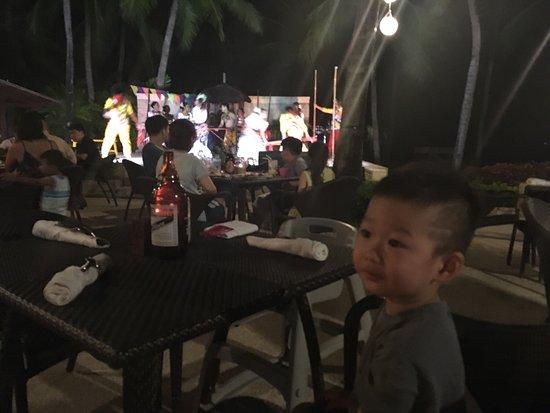 Buko Bar at Shangri-La's Mactan Resort & Spa: photo0.jpg