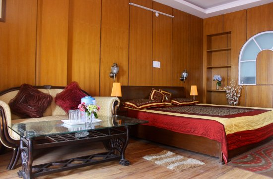 Chaukori, India: super deluxe room interior