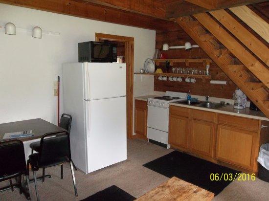 Birchwood, Ουισκόνσιν: Cabin Kitchen