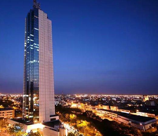 Torre De Cali Hotel: 20170727_190616_large.jpg