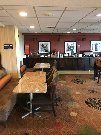 Hampton Inn Sturgis-Lagrange Area: Breakfast area
