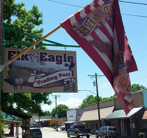 Leslie, AR: Elk & Eagle Trading Post