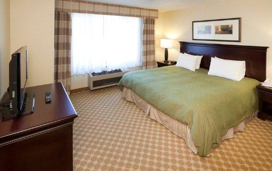 Chanhassen, MN: 1 Bedroom King Suite