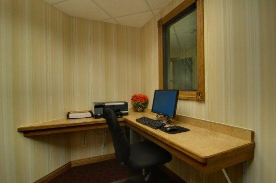 Chanhassen, MN: Business Center