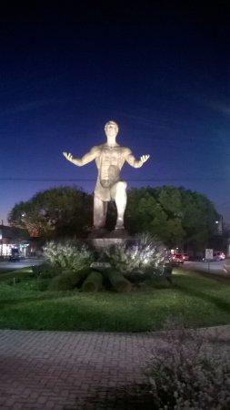 Villa Elisa, Argentina: Vista nocturna.Monumental!!!!