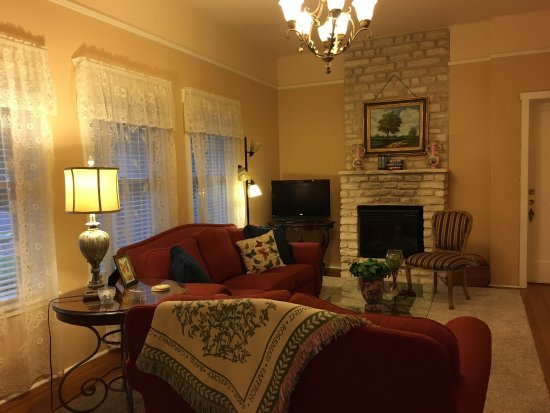 Magnolia House Bed and Breakfast: photo2.jpg
