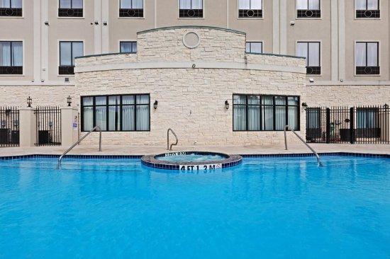 Alvin, Teksas: Rejuvenate beside our stunning Pool