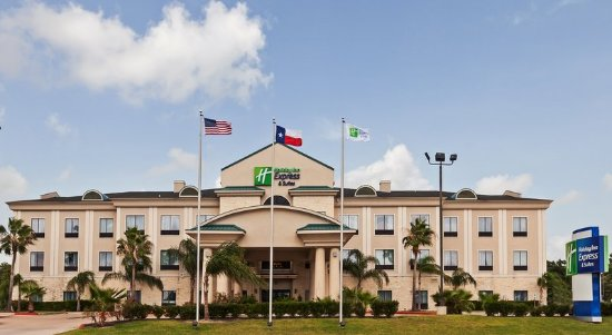 Welcome to the Holiday Inn Express Houston-Alvin