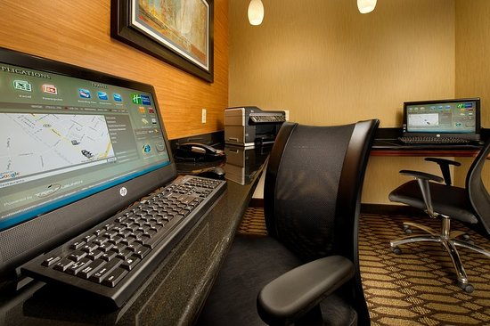 Chambersburg, PA: Free Business Center and you can print your boarding pass
