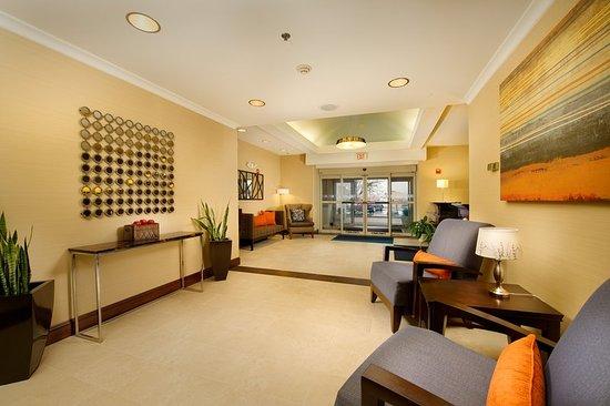 Chambersburg, PA: Hotel Sitting Area