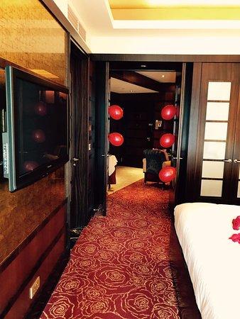 Resorts World Sentosa - Crockfords Tower Picture