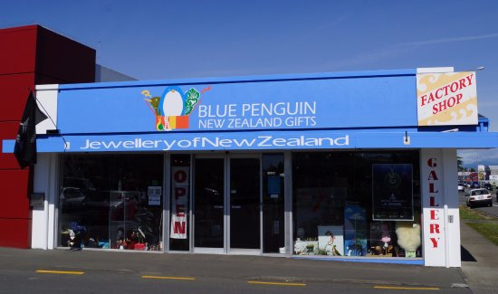 Blenheim, Nueva Zelanda: Blue Penguin Gifts shop front