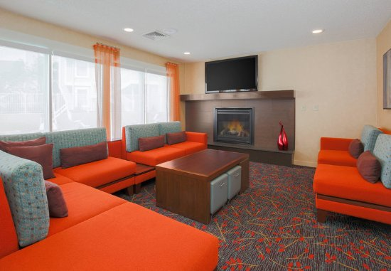 Sharonville, OH: Lobby Seating Area