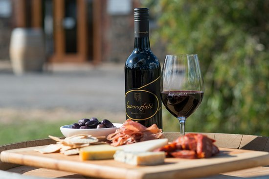 Moonambel, Australia: Enjoy a Gourmet Platter from Summerfield Deli.