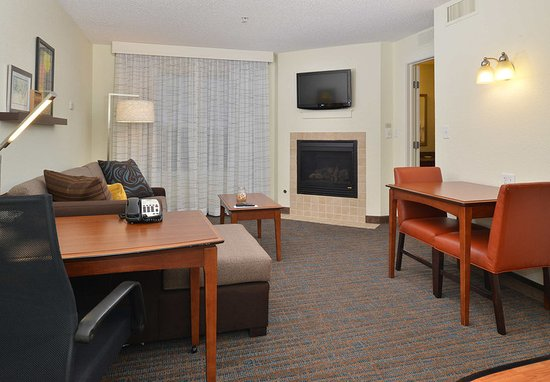 Loveland, CO: One-Bedroom Suite - Fireplace