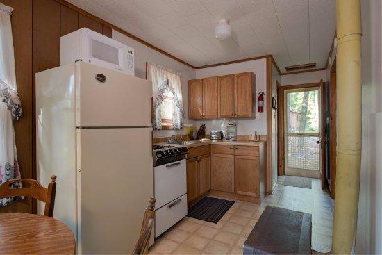 Eagle River, WI: Cottage 4 Kitchen