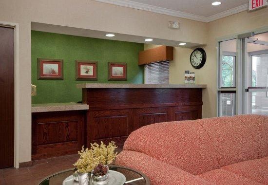Fairfield Inn Scranton: Front Desk