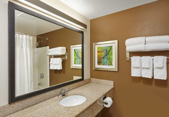 Lombard, IL: Guest Bathroom