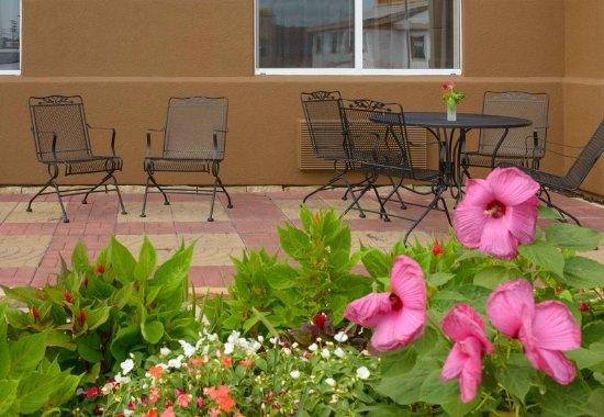 Joplin, MO: Outdoor Patio