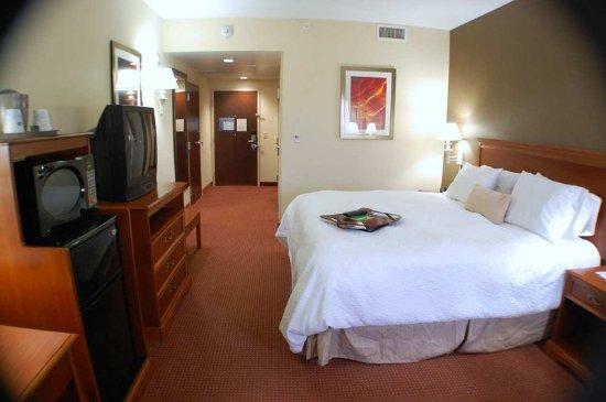 Linden, NJ: Standard King Room