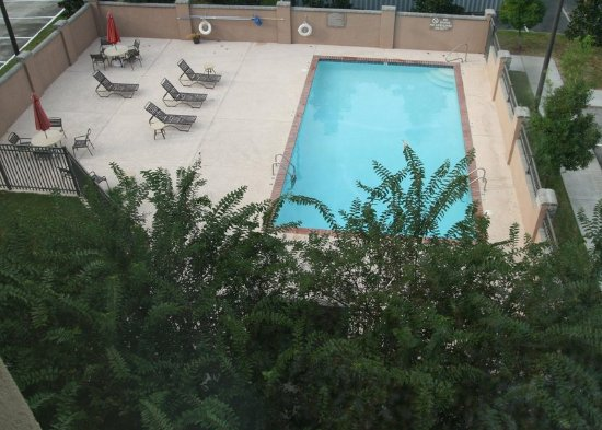 Hampton Inn & Suites Lafayette: Pool Area