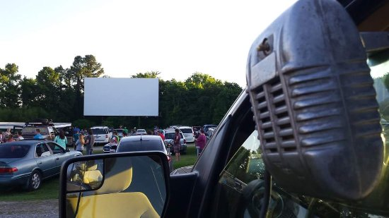 Marshall, AR: Kenda Drive-In