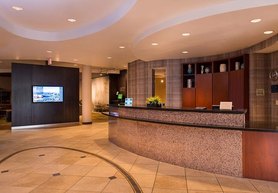 Thousand Oaks, CA: Front Desk