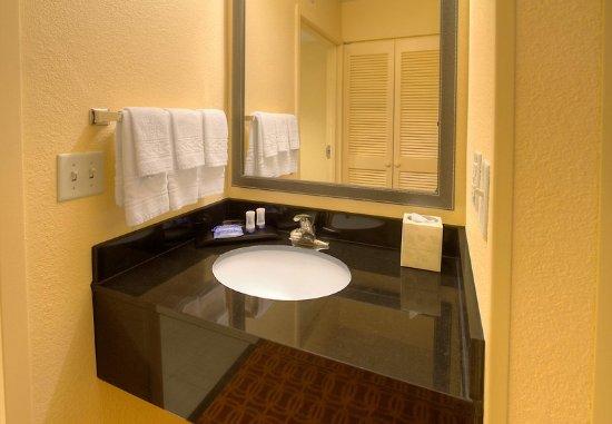 Germantown, TN: Guest Bathroom